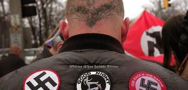 neonáci